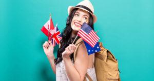 Jeune femme qui part en vacances